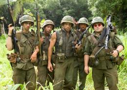 photo 22/57 - Robert Downey Jr., Ben Stiller, Jay Baruchel, Jack Black, Brandon T. Jackson - Tonnerre sous les tropiques - © Paramount