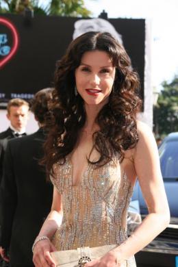Alessandra Martines Festival de Cannes 2007 photo 9 sur 23