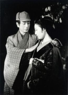 photo 1/9 - Gonjurô Kawarazaki, Kakuko Mori - Les Contes des Chrysanthèmes Tardifs - © Mk2 Editions