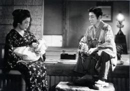 photo 5/9 - Kakuko Mori, Gonjurô Kawarazaki - Les Contes des Chrysanthèmes Tardifs - © Mk2 Editions