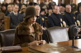 photo 27/92 - Angelina Jolie - L'�change - © Universal