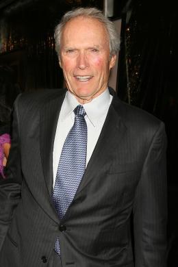 photo 81/92 - Clint Eastwood, Avant-premi�re � New York (Octobre 2008) - L'�change - © Universal