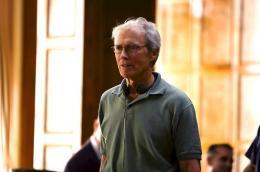 photo 1/92 - Clint Eastwood - L'�change - © Universal