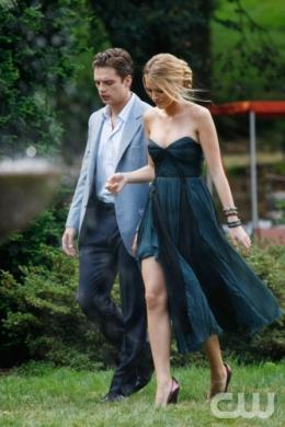 photo 128/329 - Sebastian Stan et Blake Lively - Saison 3 - Gossip Girl - © CW
