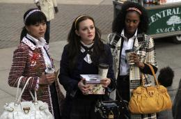 photo 157/329 - Leighton Meester, Nicole Fiscella - Saison 1 - Gossip Girl - © CW