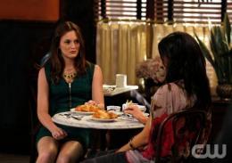 photo 95/329 - Leighton Meester et Jessica Szohr - Saison 3 - Gossip Girl - © CW