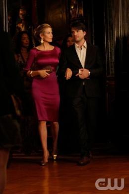 photo 132/329 - Kelly Rutherford et Mathew Settle - Saison 3 - Gossip Girl - © CW