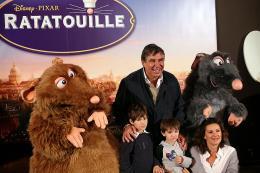 photo 66/122 - Jean-Pierre Foucault et sa famille - Avant-première à Paris - 30 juin 2007 - Ratatouille - © BVI