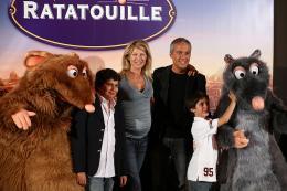 photo 115/122 - Linda Lacoste et sa famille - Avant-première à Paris - 30 juin 2007 - Ratatouille - © BVI