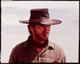photo 11/12 - L'Homme des hautes plaines - © Universal Pictures Video