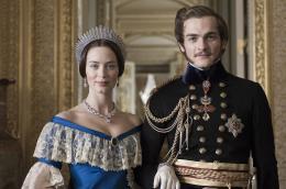 Victoria : Les jeunes années d'une reine Emily Blunt et Rupert Friend photo 7 sur 19
