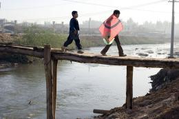 photo 8/39 - Ahmad Khan Mahmidzada, Zekeria Ebrahimi - Les Cerfs-Volants de Kaboul - © Paramount