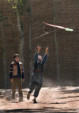 photo 26/39 - Ahmad Khan Mahmidzada, Zekeria Ebrahimi - Les Cerfs-Volants de Kaboul - © Paramount