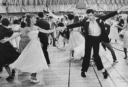 photo 13/20 - Olivia Newton-John, John Travolta - Grease - © Paramount