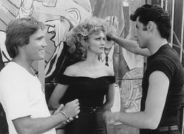 photo 12/20 - Randal Kleiser, John Travolta, Olivia Newton-John, John Travolta - Grease - © Paramount