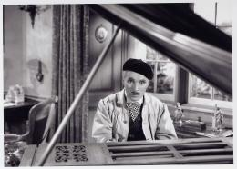photo 3/4 - Chaplin