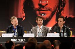 photo 36/59 - Kenneth Branagh, Chris Hemsworth, Tom Hiddleston - Thor - © Paramount