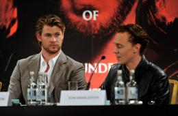 photo 40/59 - Chris Hemsworth, Tom Hiddleston - Thor - © Paramount