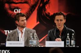 photo 44/59 - Chris Hemsworth, Tom Hiddleston - Thor - © Paramount