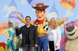 photo 143/160 - Lee Unkric et Bonnie Hunt. Avant première Toy Story 3 - Disneyland Paris, 26 Juin 2010 - Toy Story 3 - © Walt Disney Studios Motion Pictures France
