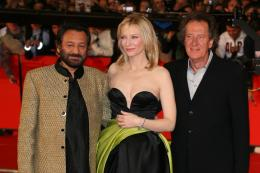 Shekhar Kapur Tapis Rouge du Film Elizabeth, L'âge d'or - Festival de Rome 2007 photo 5 sur 7
