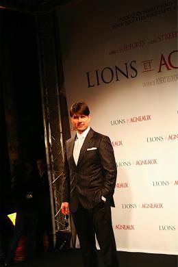 photo 207/402 - Tom Cruise - Tapis rouge du Film Lions et Agneaux à Paris, octobre 2007 - Tom Cruise - © Arthur Azoulay pour Commeaucinema.com 2007
