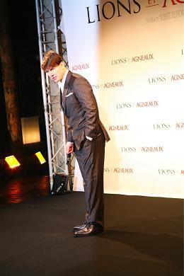 photo 203/402 - Tom Cruise - Tapis rouge du Film Lions et Agneaux à Paris, octobre 2007 - Tom Cruise - © Arthur Azoulay pour Commeaucinema.com 2007