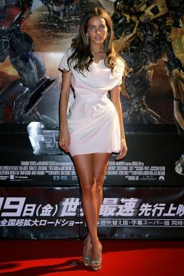 photo 66/113 - Isabel Lucas - Avant-première à Tokyo (Juin 2009) - Transformers 2 : La Revanche - © Paramount