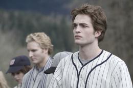 photo 41/64 - Peter Facinelli, Robert Pattinson - Twilight - Chapitre 1 : Fascination - © SND