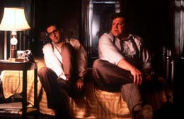 photo 5/8 - John Turturro, John Goodman - Barton Fink