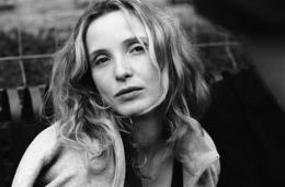 photo 11/13 - Julie Delpy - Before Sunset