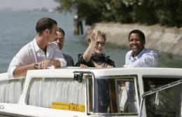 Un crime dans la tête Présentation du Film au Festival de Venise - 2 septembre 2004 photo 6 sur 37
