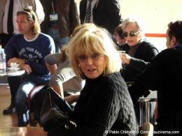 16ème Festival du Film d'Action et aventures de Valenciennes Moment de détente entre deux seances, Mylène Demongeot au premier plan, Paul Belmondo au fond à droite et Marie Laforêt au fond à gauche photo 4 sur 14