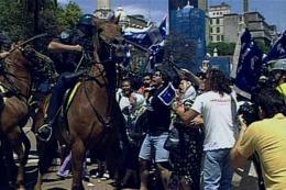 photo 2/7 - M�moire d'un Saccage : Argentine, le hold-up du si�cle