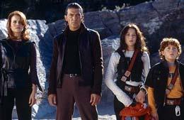 Spy Kids 2 : Espions en herbe  Antonio Banderas, Carla Gugino,Alexa Vega,  Daryl Sabara photo 1 sur 7