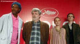 photo 19/30 - Samuel L. Jackson, George Lucas, Natalie Portman et Hayden Christensen (Cannes - 15/05/2005) - Star Wars Épisode 3 - La Revanche des Sith
