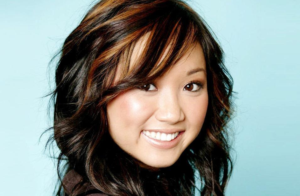 New Girl : Brenda Song craque pour Winston !