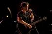 Penn Badgley se dévoile dans le biopic consacré à Jeff Buckley (photos + vidéo)