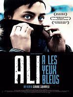 Ali a les yeux bleus