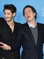 Berlin 2014 : Guillaume Gallienne et Pierre Niney, élégants pour YSL