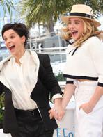 Cannes 2014 : Retour sur le photocall et la mont�e des marches de Sils Maria