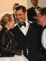 Cannes 2017 : Elisabeth Moss et Dominic West complices sur le tapis rouge