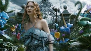 Alice de l�autre c�t� du miroir : le tout petit teaser renversant !