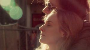 Diane Kruger illumine le nouveau clip de Rover