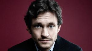 50 Nuances plus Sombres : Hugh Dancy devient le Dr. Flynn !