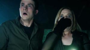 In The Dark : Sam Raimi nous fout encore la trouille (bande-annonce)