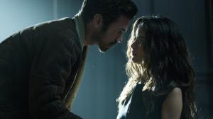 Iris : Charlotte Le Bon sulfureuse face � Romain Duris dans le premier trailer