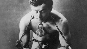 Le réalisateur de 10 Cloverfield Lane s'attaque à Houdini