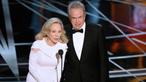 Bourde des Oscars : Faye Dunaway sort enfin de son silence