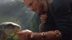 Jurassic World 2 : Chris Pratt rencontre un bébé raptor dans un premier extrait